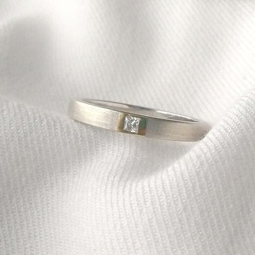Aliança Nalú em Ouro 18k com Diamante