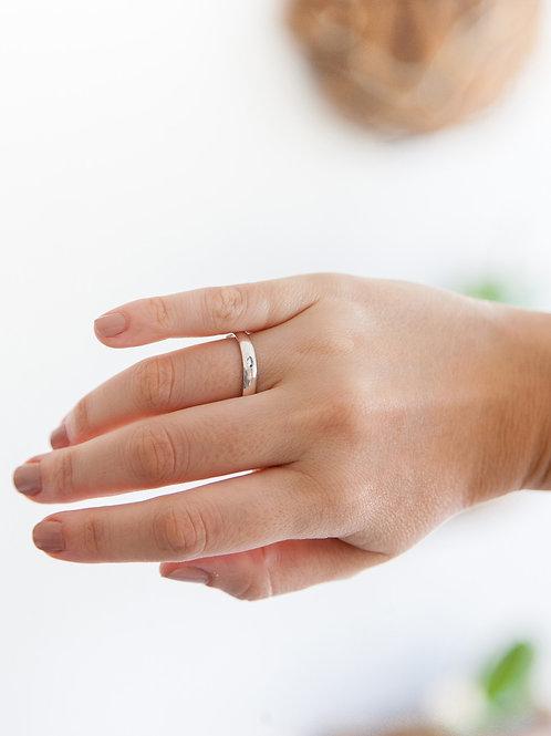 Aliança Laís G em Prata 950 Com 01 Diamante