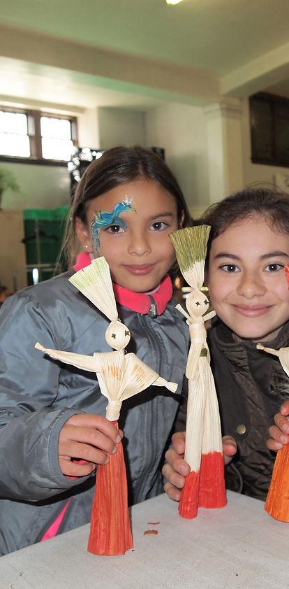 Poupées en feuilles de maïs, Corn husk dolls