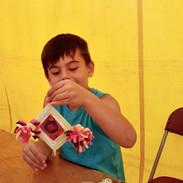Enfant avec Ojo de dios.jpg