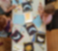 Le calendrier juif, The Jewish Calendar - Des enfants font des mosaïques en papiers, Children make paper mosaïcs