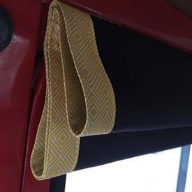 'Geo wiber geel' Mercedes 409, Dudo hoog
