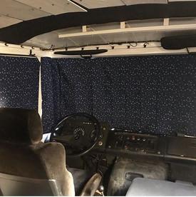 'Ster denim marine' Mercedes 508, Dudo hoog voorruit en cabine