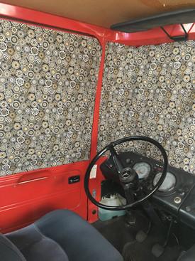 'Sandra Oly Zwart' Mercedes 409, Dudo hoog, voorruit en cabine