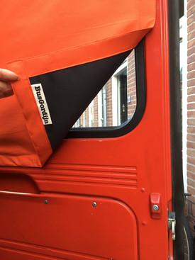 'Oranje rood' Mercedes 409, Dudo hoog