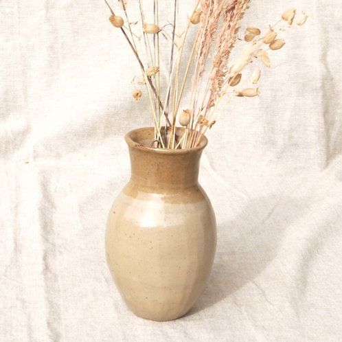 Vase nude et cendre