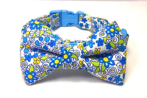 """Pajarita para Perro """"Flores Azules"""""""