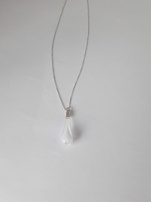 Colgante de lágrima transparente Blanca de plata