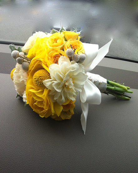 Yellow Garden Rose and White Lily