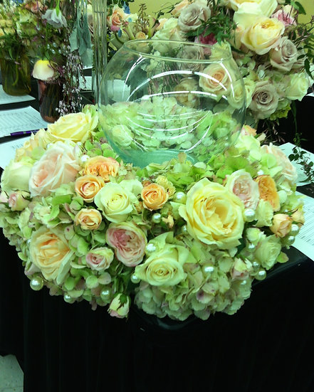 Huge multi-sized Rose arrangement
