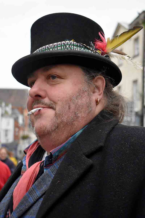 Top hat smoker