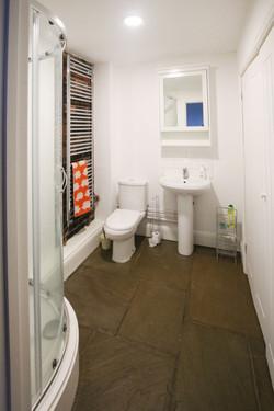 Bathroom_Downstairs_1.jpg