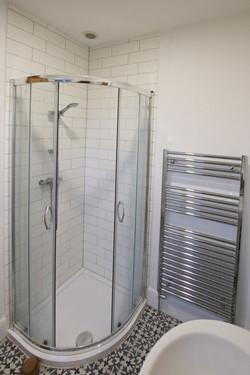 Bathroom_Upstairs_2.jpg