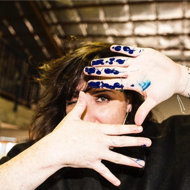 Les mains bleues