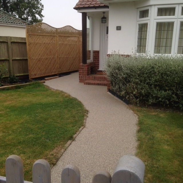 Resin bound pathway in colour silver moon