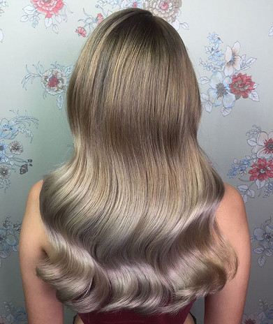 Throwback to one of favorite colors on _jumpingforjoyscouts ✨ Left a shadow root to blend in her natural color for an easy grow out - Soft b