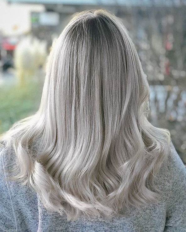 __If you're thinking of going to this color please read!!__ First of all, I am I loooove with this transformation on _mickie.the.jpg