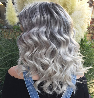 Silvery blonde waves #bookwithlacey #starlightsalon