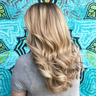 It's summer tiiiime!! ☀️ Come see me at Starlight salon to get your color done!! #bookwithlacey
