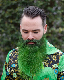Green with envy 💚☘️ _suh_lancelot _#bookwithlacey #theluckoftheirish #glitterbeard #greensteel