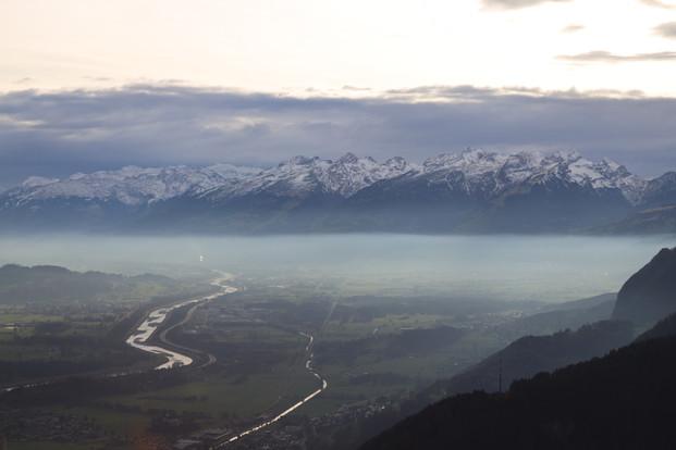 Rheintal und die Berge