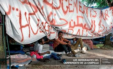 Les migrants du campement de la Chapelle. 7K