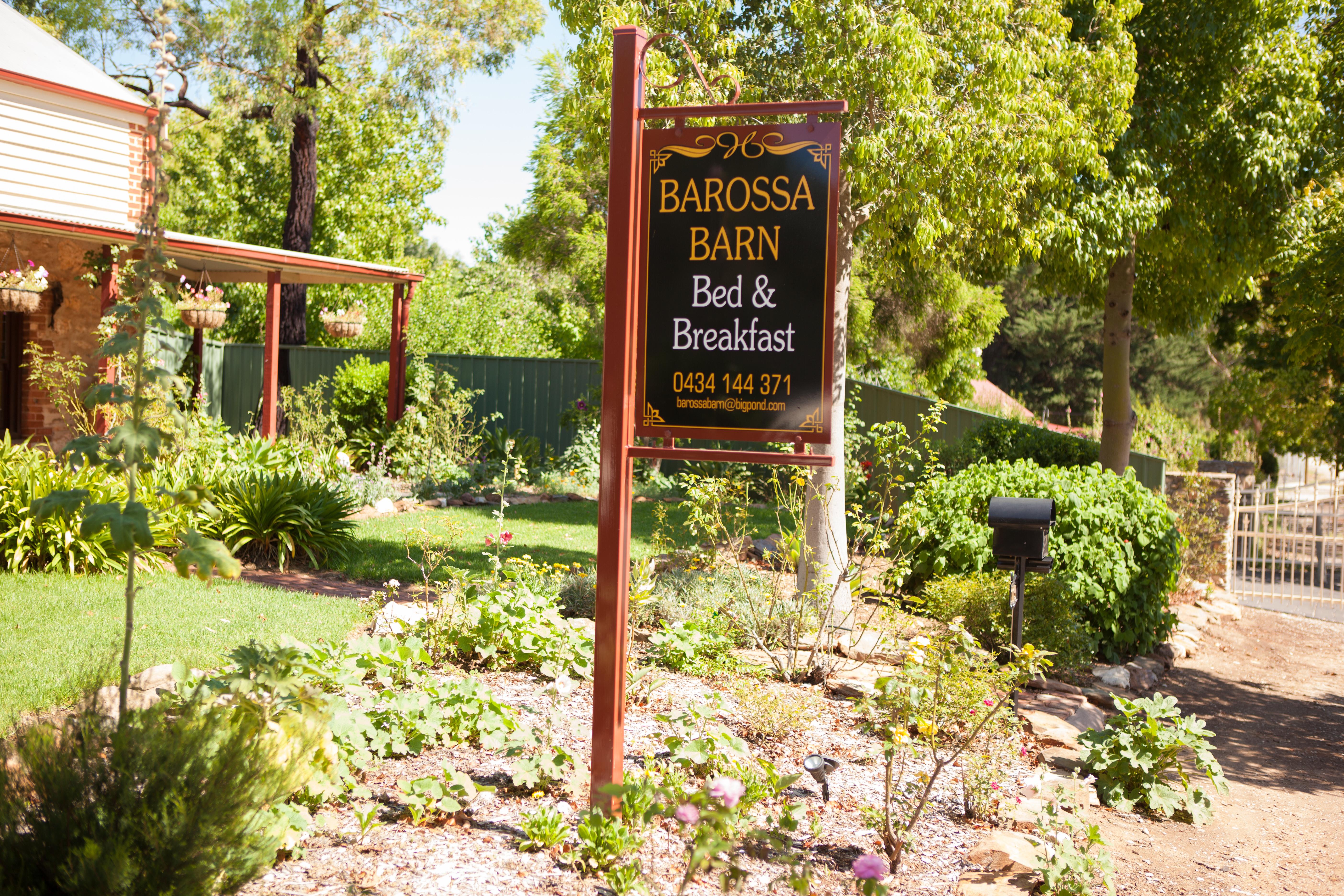 Barossa Barn B&B Signage