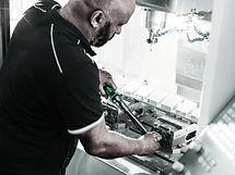 Le serrage contrôlé permet de limiter les risques de casse de vos pièces mécaniques. Le serrage contrôlé s'effectue avec des outils dynamométriques.