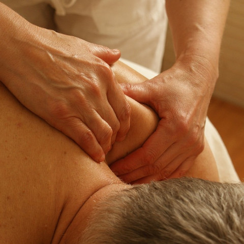 Relaxation-Massage-Relaxation-Massage-Pain-Shoulder-389716.jpg