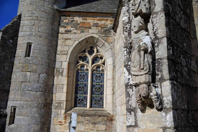 Statue de granit.