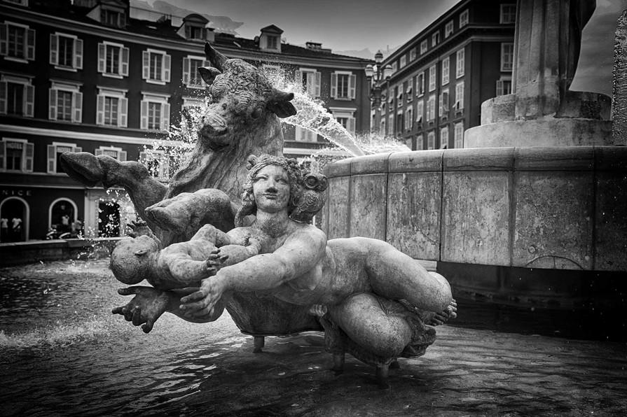 Nice - fontaine place Massena
