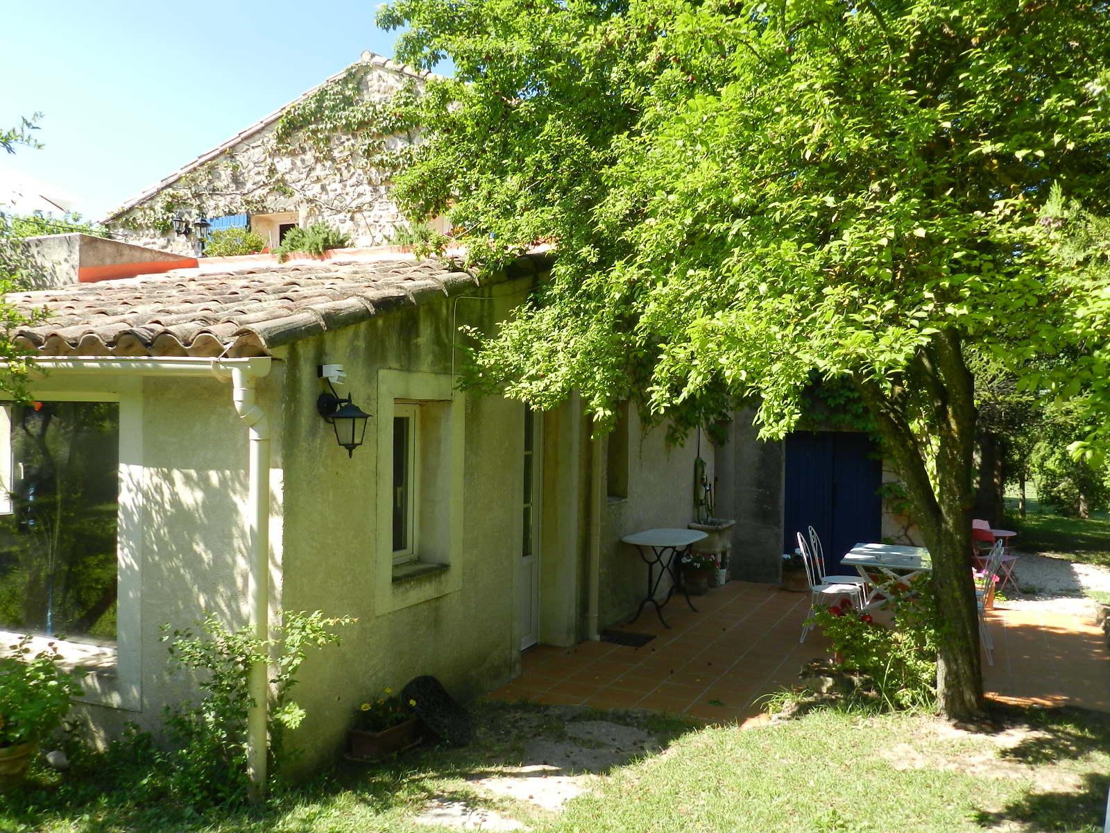 provence_sud_luberon_gîte_des_condamines_appartement_romarin_terrasse