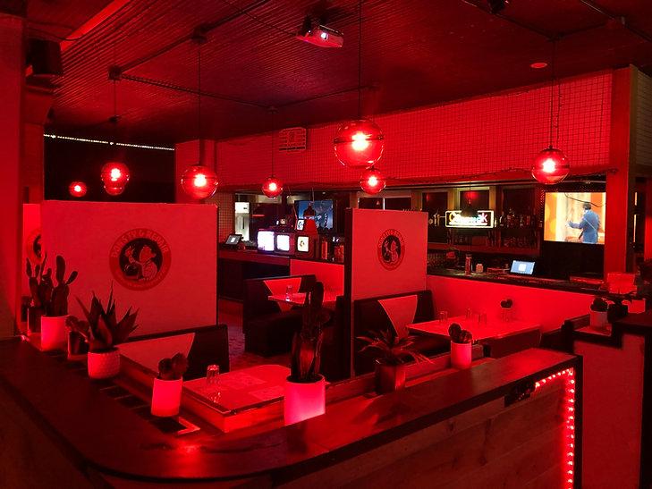 Inside Dons TV Repair.JPG