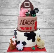 barn animals cake 2.png