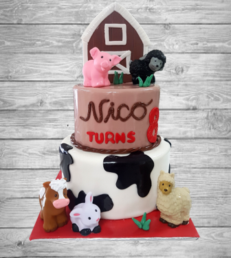 barn animals cake 2.png