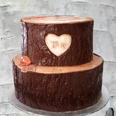 dark tree bark wedding cake 2.png