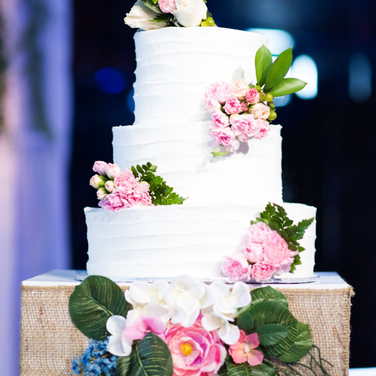 Joyce wedding cake.png