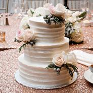 rustic wedding cake fresh flowers.png