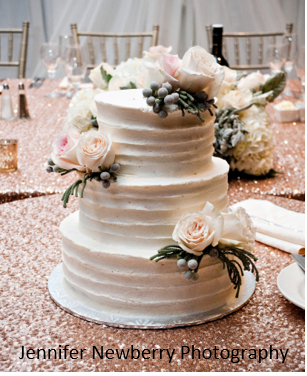 rustic wedding cake fresh flowers.png
