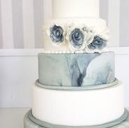 marble wedding cake.png