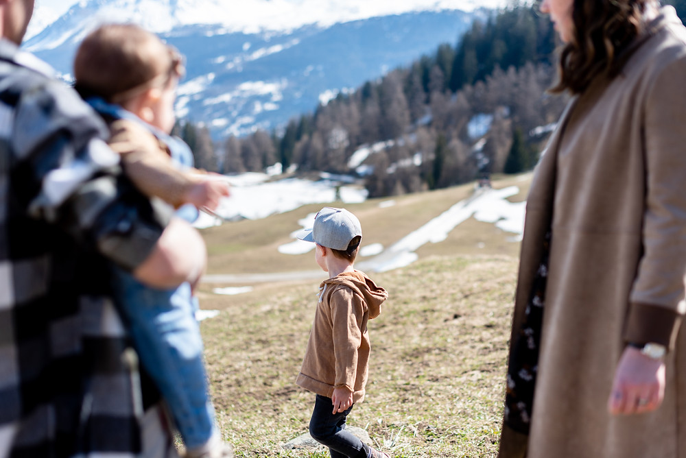 Family photoshoot in the Swiss Alps