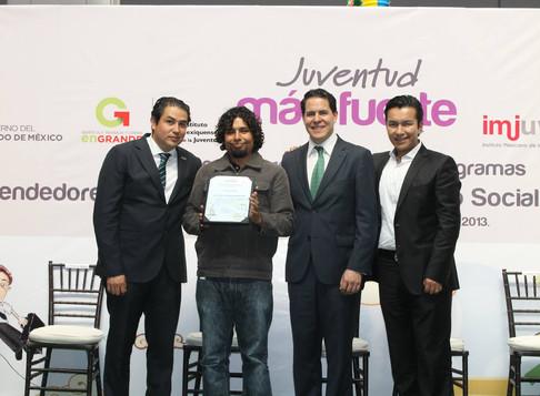 """Premiación Proyecto Social """"Ármala en Grande"""" 2014"""