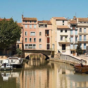 Narbonne_-_Le_pont_des_marchands.jpg