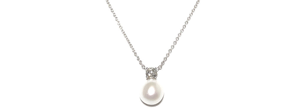 18KW Fresh Water Pearl & Diamond Necklace