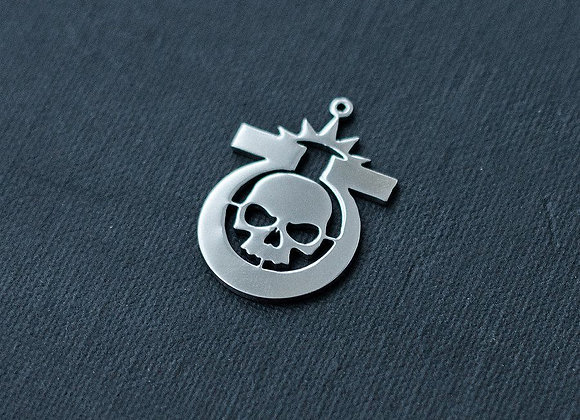 Ultramarines pendant
