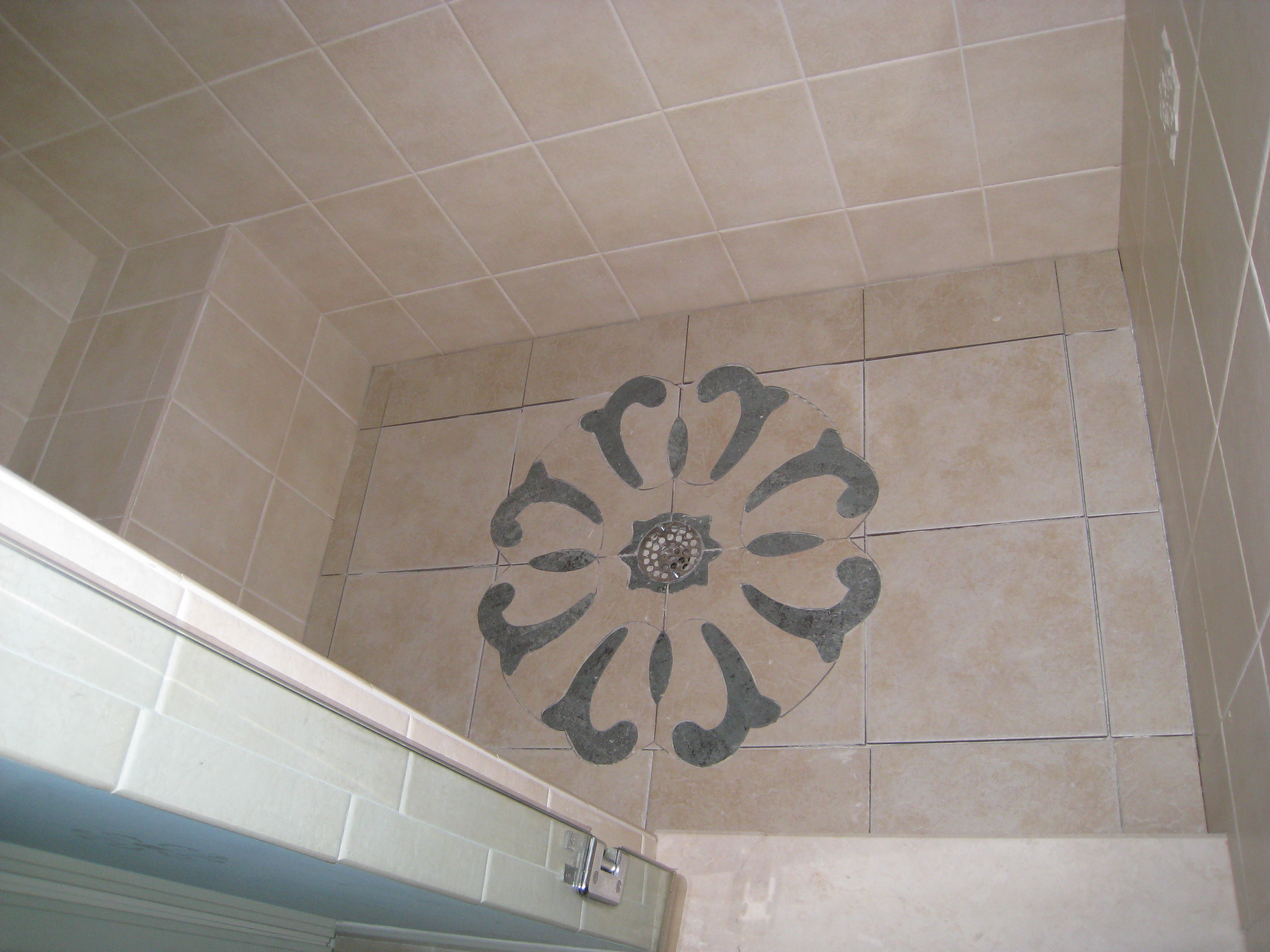 Wallpaper Design on Shower Floor