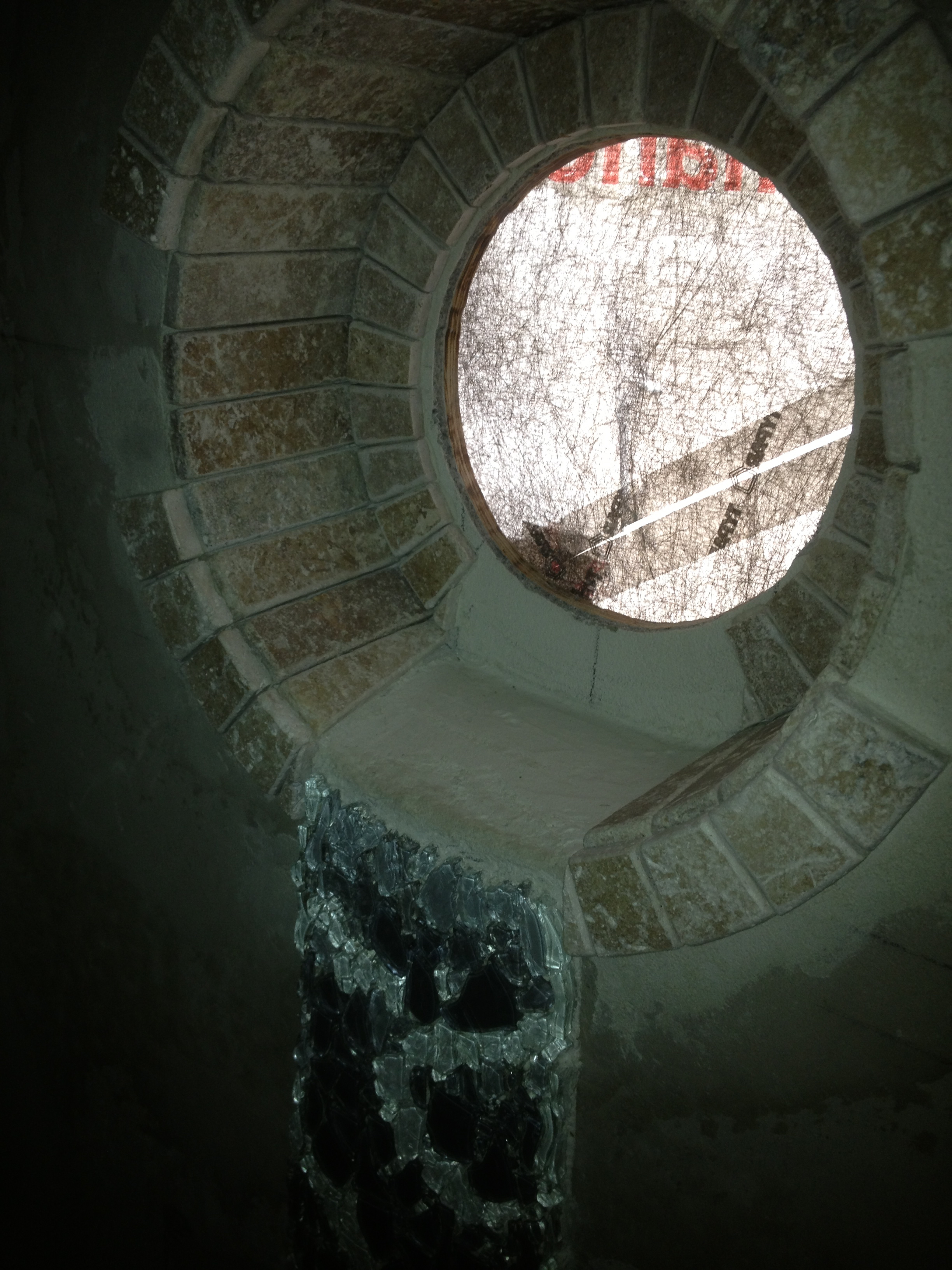 Porthole with tile