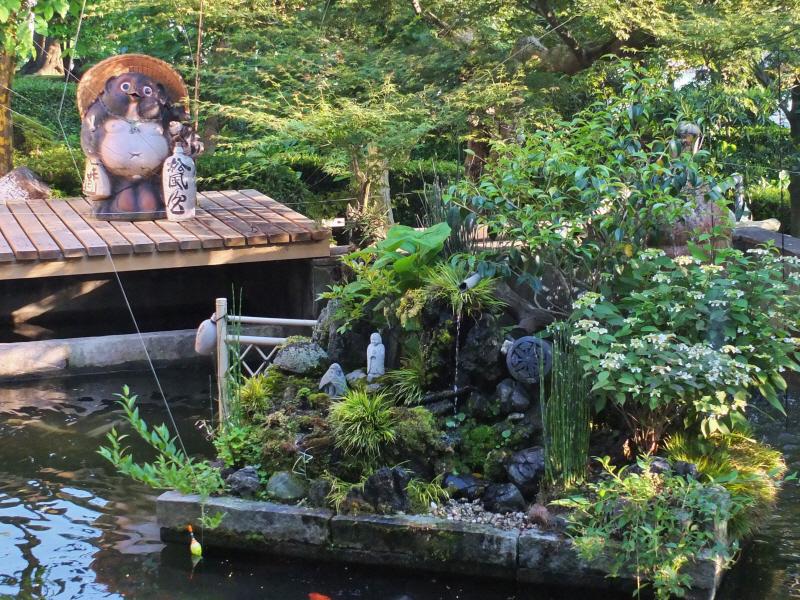 別館 椿 池