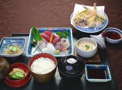 お刺身の膳「菊」2200円