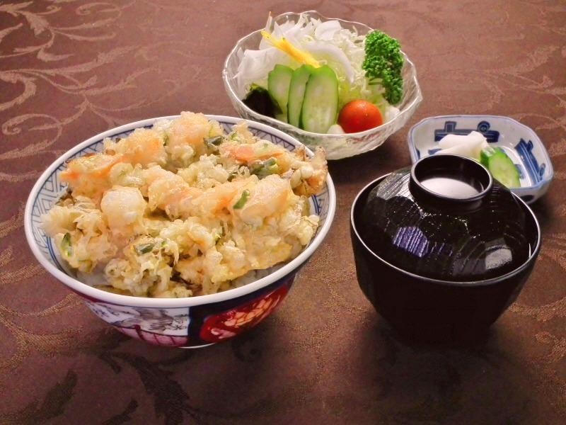 ミニサラダ付きかき揚げ天丼 1200円